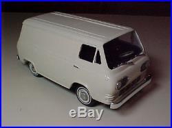 1965 Ford Econoline Van Pro Built Resin Model Car NICE Scaled in 1/25