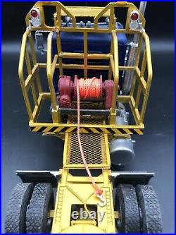 1/24 Italeri Freightliner FLC Scratch Built Winch Resin Lug Tire Built Junkyard