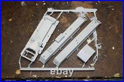 1/32 Commanders 1060 WW II US M2 High Speed Tractor CLETRAC Resin Model Kit