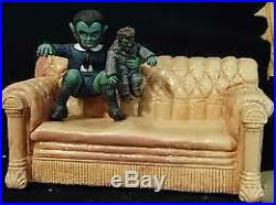 Aurora Munsters Living Room Scale Lily Eddie and woof woof Resin kit model