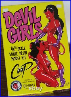 COOP DEVIL GIRLS 1/6th Scale white resin KIT by SIMIAN plus COA RARE NICE