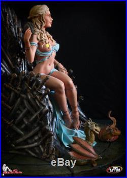 Daenerys on the Iron Throne GoT Game of throne female resin model kit Statue 1/6