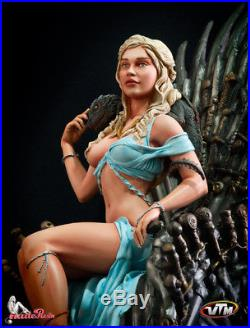 Daenerys on the Iron Throne GoT Game of throne female resin model kit Statue 1/6