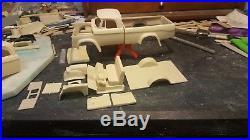 Dodge W 500 Crewcab & bed 1970 1/25 resin
