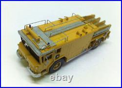 HO 1/87 WALTER YANKEE CB 3000 ARFF Firetruck Yellow Readymade Resin Model