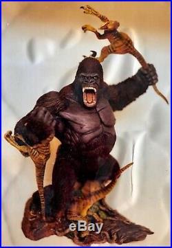 KONG vs Raptors Shawn Nagle big resin model kit Rumble in the Jungle