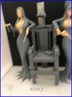 Mistresses Of Darkness- Sexy Morticia and Elvira 1/7 Scale Resin Model kit