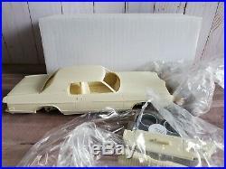 Modelhaus 1972 Ford LTD. Brougham 2-Door 125 Scale Resin Model'72 Car Kit