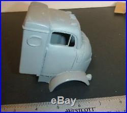 RESIN 1950s GMC 950 CAB COE TRUCK WithSLEEPR CANNONBALL 1/25 MODEL CAR MOUNTAIN