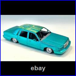 Resin 1995 95 Lincoln Town Car 1/25 #12 of 24