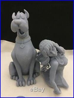 Sexy Daphne And Scooby Doo Resin Model Kit
