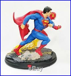 Superman vs The Flash Superhero Figure Model Resin Kit Unpainted Unassembled 1/8