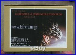 T's Facto Godzilla 2000 Millennium Resin Model Kit 30 cm Scale Rare