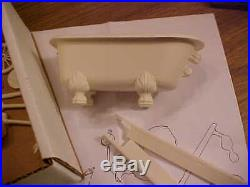 The Creatures Crate Resin Model Kit Creature's Crate Vintage Black Lagoon Aurora