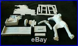 The Tingler resin model kit Vincent Price. Comes with DVD bonus. New