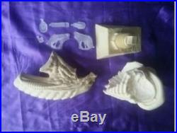 Unpainted 1/3 alien bust with clear dome, resin model kit