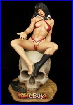 Vampirella On Skull Resin Figure Model Kit 1/5th Scale